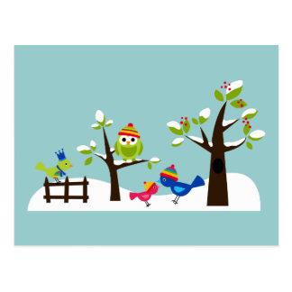 Bande dessinée mignonne d'arbre de neige d'hiver carte postale