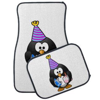 Bande dessinée mignonne de pingouin de partie tapis de sol
