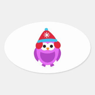Bande dessinée mignonne de Red Hat d'hiver pourpre Sticker Ovale