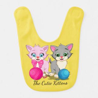 Bande dessinée rose et grise de Cutie de chatons Bavoir