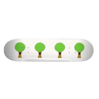Bande dessinée verte d'arbre avec la créature skateboards personnalisés