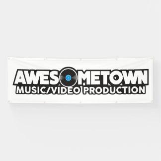 Bannière extérieure d'Awesometown avec des canons