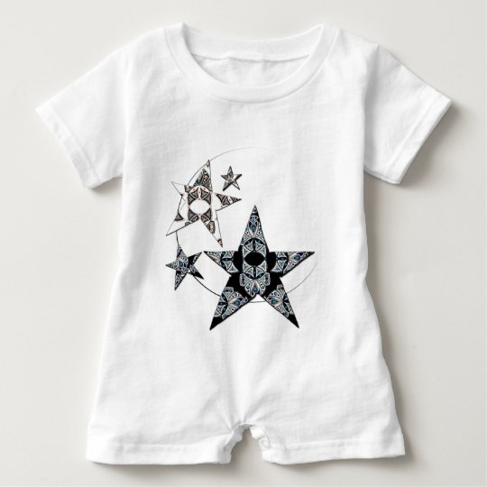 Barboteuse blanche avec étoiles