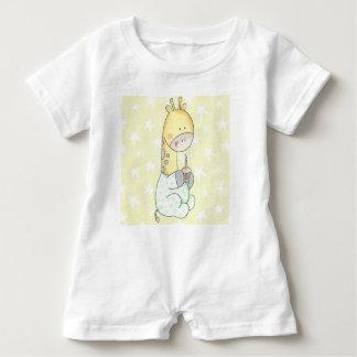Barboteuse nouveau-née de bébé de girafe