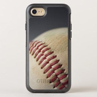 Base-ball avec la marque d'impact coque otterbox symmetry pour iPhone 7
