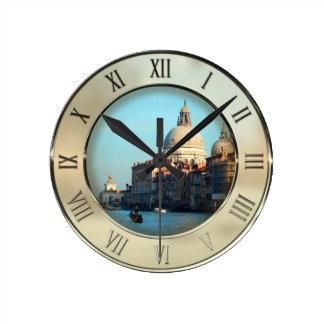 Basilique de salut de della Santa Maria Horloge Ronde