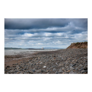 bateau-citerne à la plage beal rocheuse poster