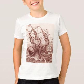 bateau contre le poulpe t-shirt