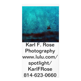 Bateau dans la carte postale de photo de brouillar cartes avec photo