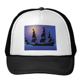 bateau de la vie de pirate en mer casquette