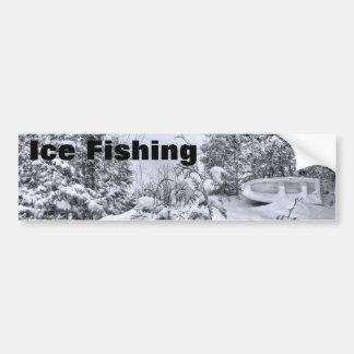 Bateau de pêche, forêt d'hiver, tempête de neige d autocollants pour voiture
