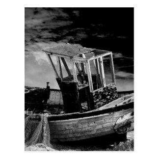 Bateau de pêche vintage carte postale