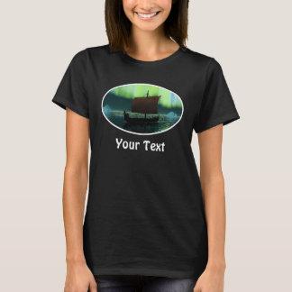 Bateau de Viking et lumières du nord T-shirt