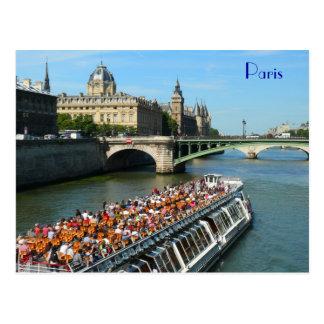 Bateau de visite sur la Seine à Paris Cartes Postales