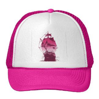 Bateau rose casquette