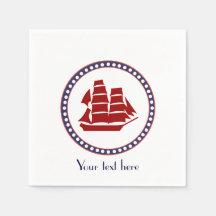 Bateau rouge nautique et rayures grises avec le serviette en papier