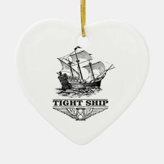 bateau serré de la navigation ornement cœur en céramique