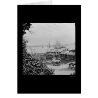 Bateaux d'approvisionnement de bord de mer au poin cartes de vœux