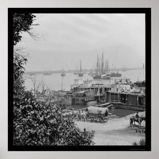 Bateaux d'approvisionnement de bord de mer au poin posters