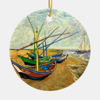 Bateaux de pêche de Van Gogh sur la plage chez Ornement Rond En Céramique