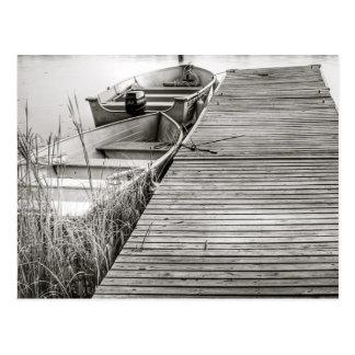 Bateaux par le dock carte postale