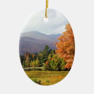 Bâti Mansfield Vermont d'arbre Ornement Ovale En Céramique