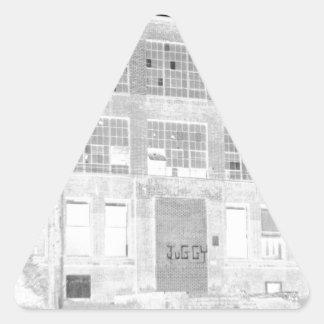Bâtiment de fabrication abandonné - négatif autocollant en triangle