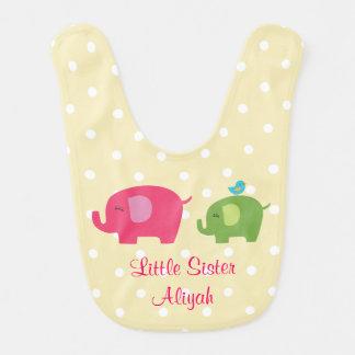 Bavoir de bébé d'oiseau d'éléphant de petite soeur