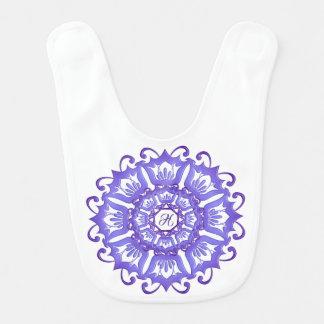 Bavoir Mandala violet floral. Monogramme