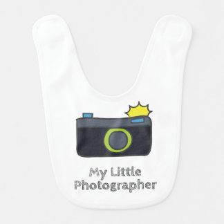 Bavoir Mon petit photographe tiré par la main