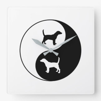 Beagle de Yin Yang Horloge Carrée