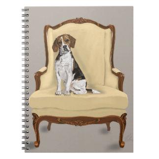 Beagle se reposant carnet