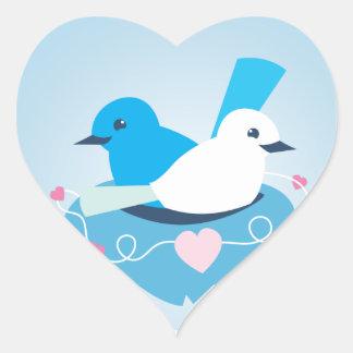 Beau blanc bleu de roitelet d'inséparables sticker cœur