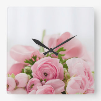 Beau bouquet rose horloge carrée