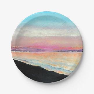 Beau coucher du soleil peint dans la plaque à assiettes en papier
