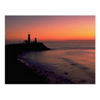 Beau coucher du soleil : Phare de point de Cartes Postales