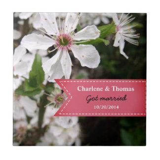 Beau mariage blanc de fleur carreau