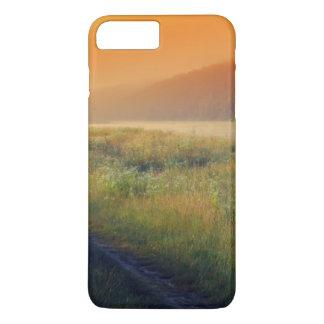 Beau paysage de matin avec la rivière coque iPhone 7 plus