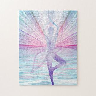 Beau puzzle rose et bleu de yoga de Vrikshasana