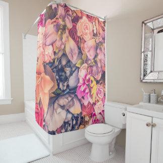 Beau rideau en douche assorti de conception