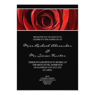 Beau rose rouge épousant le noir d'Invitiation- Carton D'invitation 12,7 Cm X 17,78 Cm