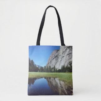 Beau sac fourre-tout à parc national de Yosemite