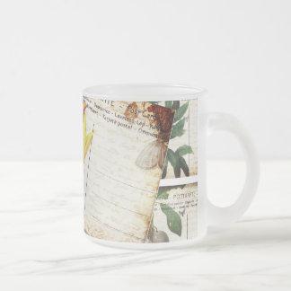Beau vieux cadeau floral vintage de conception de  tasse à café