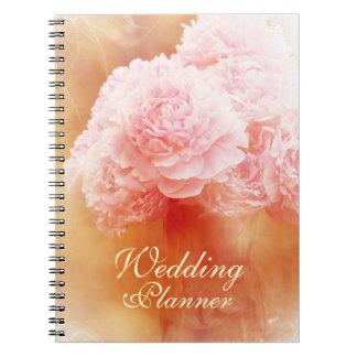 Beau wedding planner de rougissement de bouquet de carnet