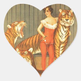 Beaucoup choient des tigres sticker cœur