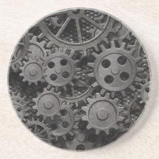 Beaucoup de vieilles vitesses en métal ou pièces r dessous de verre