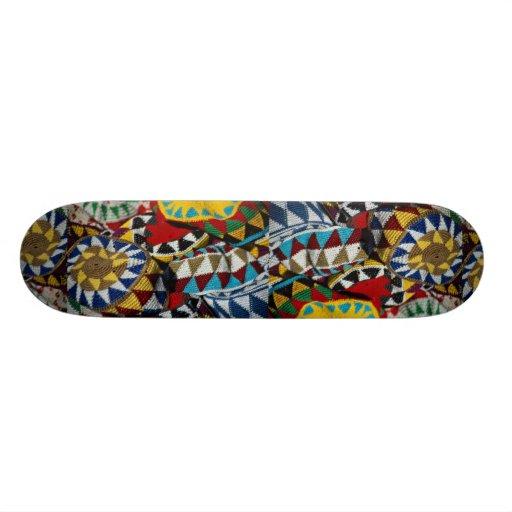 Beaux chapeaux traditionnels colorés skateboard customisable