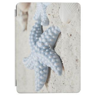 Beaux coquille et sable d'étoile de mer de plage protection iPad air