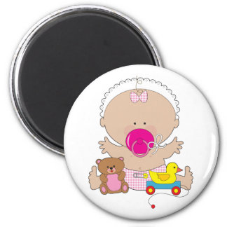 bébé avec la tétine magnet rond 8 cm