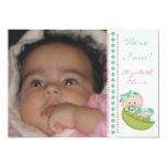 Bébé dans une photo de naissance de vert de menthe carton d'invitation  12,7 cm x 17,78 cm